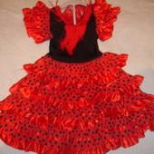Фирменное красивое платье Кармен девочке на 5-7 лет