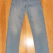 Красивые зауженные джинсы Next для девочки 7 лет, 122 см