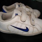 суперовые кроссовки Nike оригинал 26 размер Англ 8,5 стелька 16,5 см в отличном состоянии