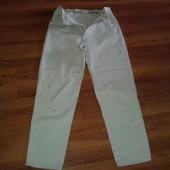 Чоловічі білі джинси.