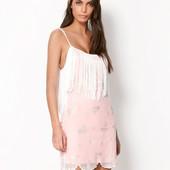 S Bershka новое платье в бохо стиле покрытое гипюром, пайетками и с бахромой!
