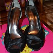 Летние атласные туфли в идеальном состоянии