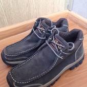 Ботинки унисекс замшевые 40 р фирмы D-M-G