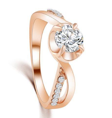 Позолоченное кольцо с кристаллами код 225 фото №1