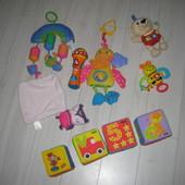 фирменные игрушки развивающие от рождения