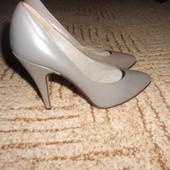 Кожаные туфельки .Размер 35