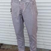Клевые мужские джинсы,Турция, серые, разм 34 Узкачи