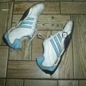 кроссовки бутцы  Adidas . стелька  24.5 см