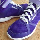 Фирменные кроссовки Reebok Dance-размер 41-42-длина стельки-27,5 см