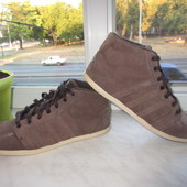 Продам кожаные кроссовки Adidas 42 р.Оригинал.