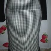 Очень красивая теплая юбка размер 44