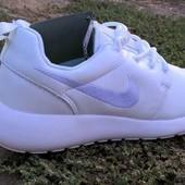Мужские кроссовки Nike Roshe Run White
