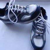 Кросівки 41 розмір