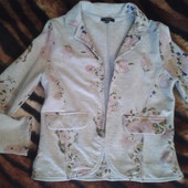 Стильный брендовый пиджачек классный