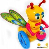 Каталка-бабочка на палке! Машет крыльями, руками, звенит барабан. Суперигрушка! Цвет зеленый!