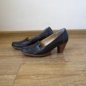 paul green р.40 туфлі на каблуках шкіряні