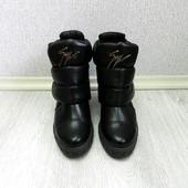 Модные черные зимние ботинки сникерсы в 2016 году – самая провокационная обувь сезона. ZaNоtti