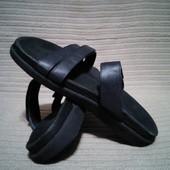 Надежные кожаные шлепанцы темно-синего цвета Wolky. Нидерланды  43 р.