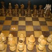 Шахматы ручной работы,настоящее дерево,\нет одной шт.\