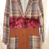 Стильное пальто с натуральным мехом