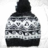 Стильная шапочка Zara