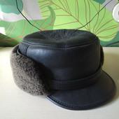 Практически новая шапка нубук овчина, отворачивается