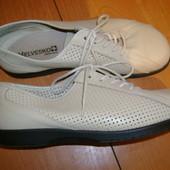кожаные  туфли  ф.  Helvesko   размер  39  -  26  см