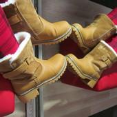 Стильные зимние ботинки на тракторной подошве