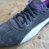 Фирменные кроссовки Puma размер 39-40-длина стельки 25.5 см