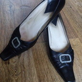 Красивые кожаные туфли на каблуке, р.39-40