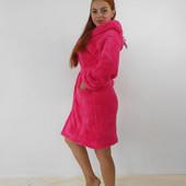 Женский короткий махровый халат с капюшоном