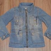 Классная джинсовая ветровка на молнии 4-5 лет