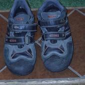 Кросовки розмір 38 стелька 25 см  Geox