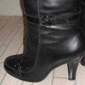 Зимние кожаные сапоги 40 размер (Luciano Carvari)