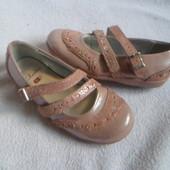 Clarks кожаные оригинальные туфли 9. 5