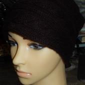 Классная теплая шапка ,шоколадного цвета,р-р универсальный