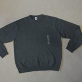 Фирменный  качественный свитер Gap M-L