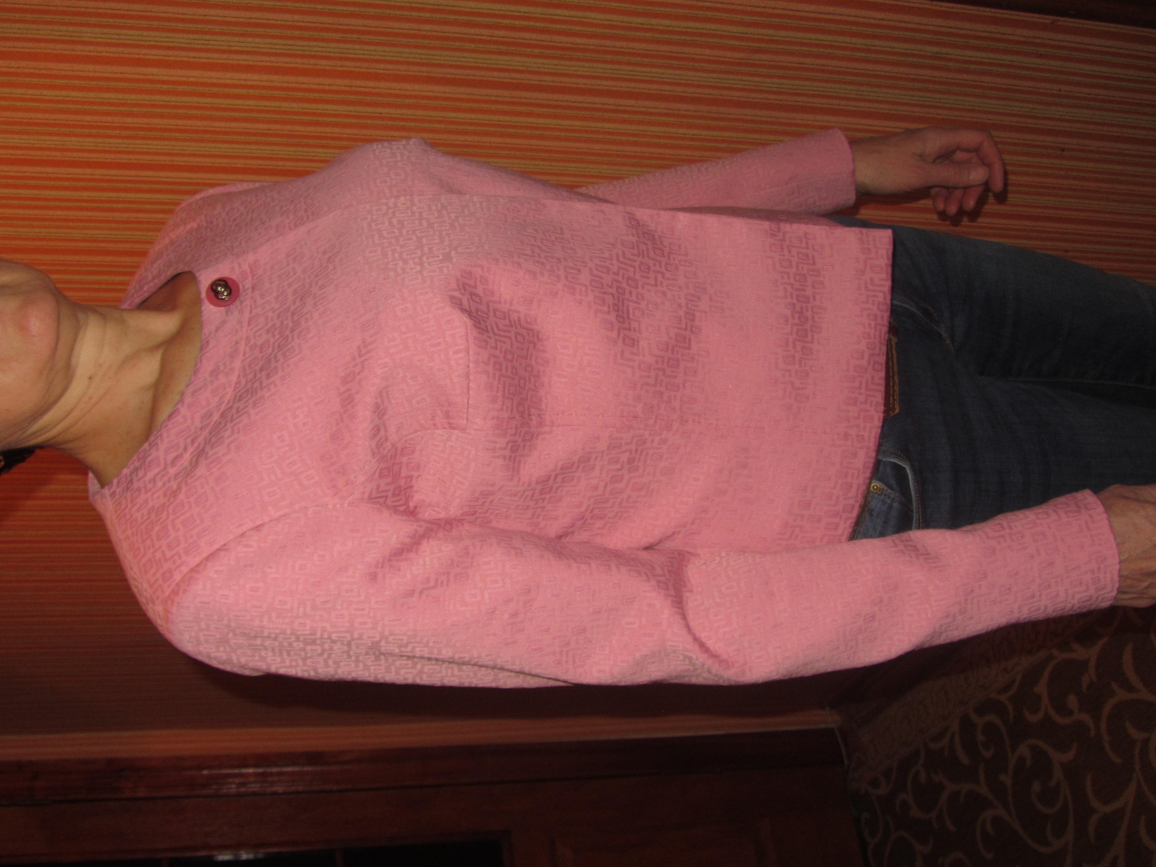 Скидка!Новый очень красивый пиджак!