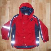 Утепленная курточка в хорошем состоянии на 116-122см.