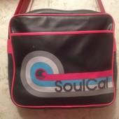 Фирменная сумка на плече от SoulCal. Cмотрим замеры и фото в магазине.