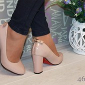 Классные женские туфли лабутены на широком каблучке