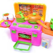 Кухня Господарочка в чемодане с посудой и продуктами