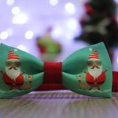 Бабочка -галстук  с принтом Санта- Клауса