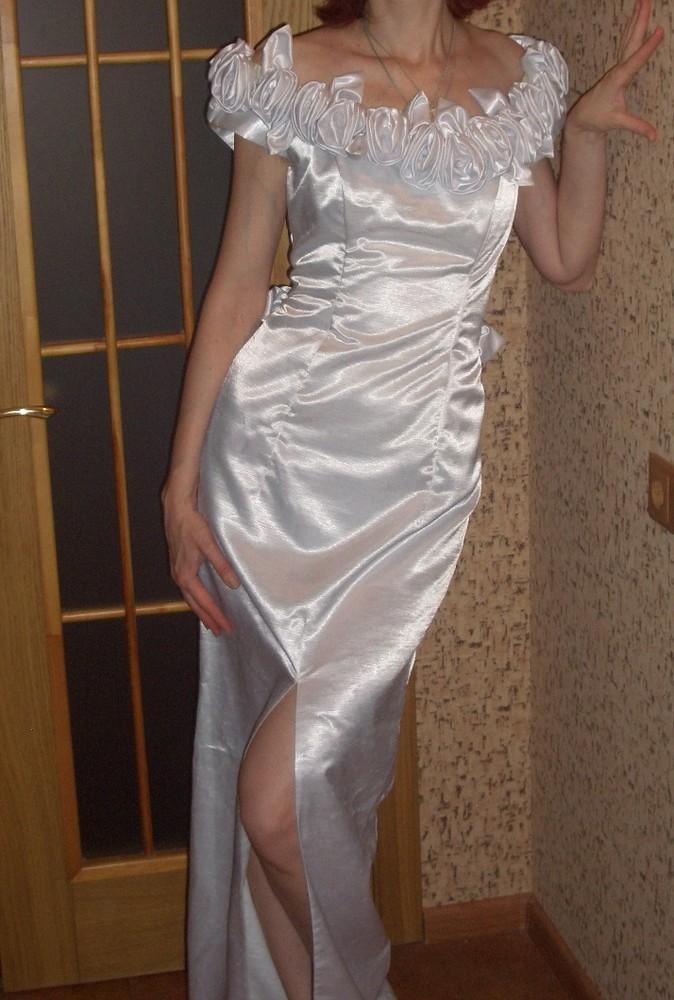 Эллегантное свадебное платье + шлейф. размер 44. дешево. фото №1