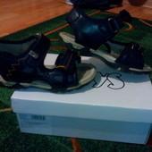 Кожаные сандалии Boys 27 р