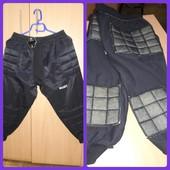 Футболистам - вратарские штаны 3/4 (подросток) Select с защитой, разм. xs и s, одни на выбор. Новые.