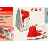 Детская игрушечный утюг на батарейках «My Home» (свет, звук) 3207