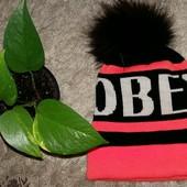 Шерстяная шапка с натуральным помпоном OBEY