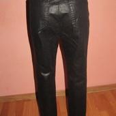 джинсы,брюки р-р 38/40 с широкой талией сост новых