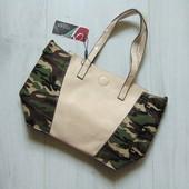 Новая сумка с элементами Military. Одно большое отделение + сумочка внутри. Venas Collection
